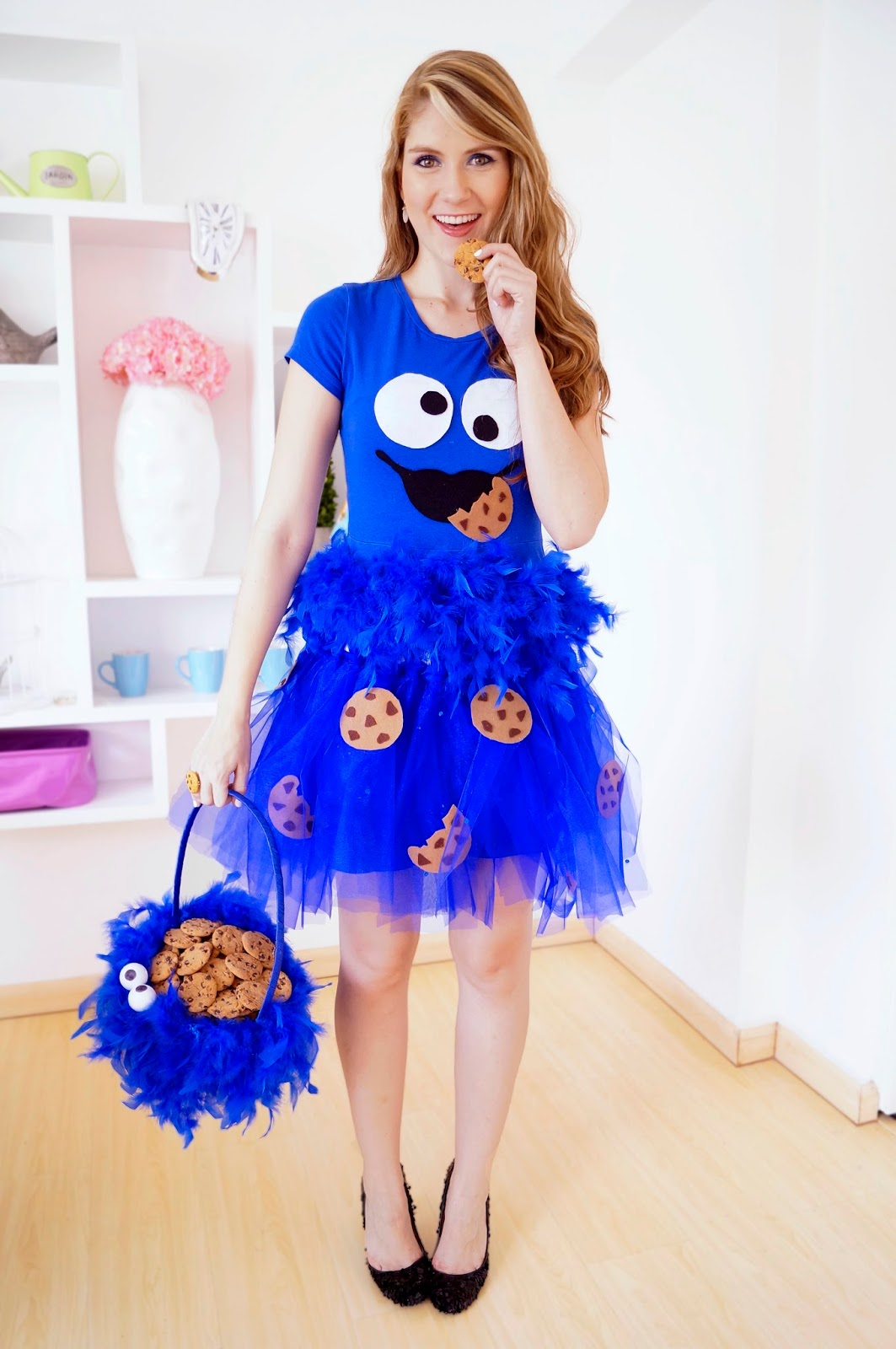 Homemade Cookie Monster Halloween Costume. Click through for tutorial