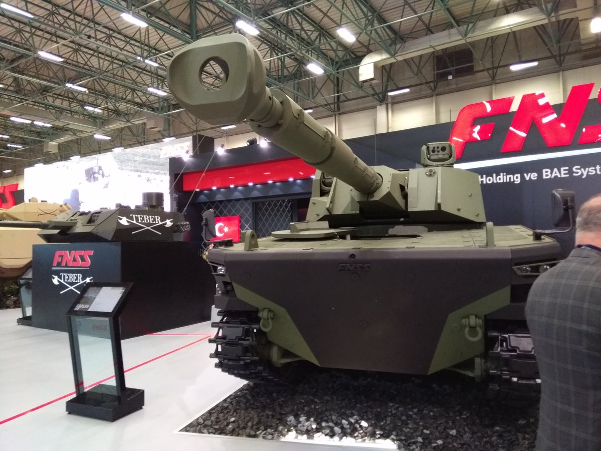Tank-Medium-Kaplan-Hadir-di-IDEF-2017-1.jpg