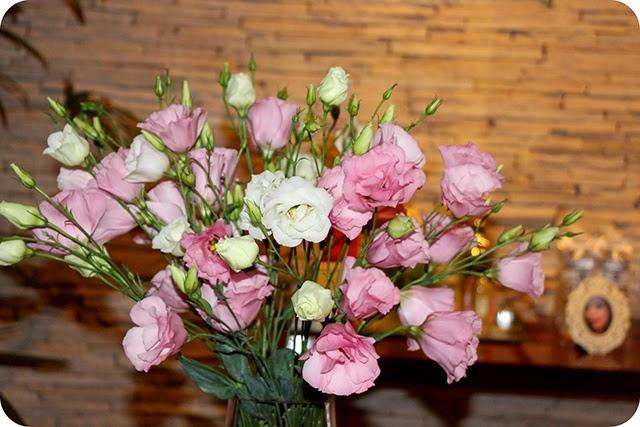 Lisianthus Cor de Rosas na Decoração de Aniversário Chanel