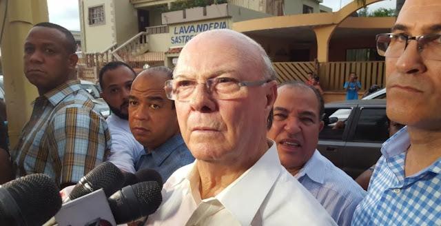"""Hipólito Mejía considera """"urgente reestructurar la Policía"""""""