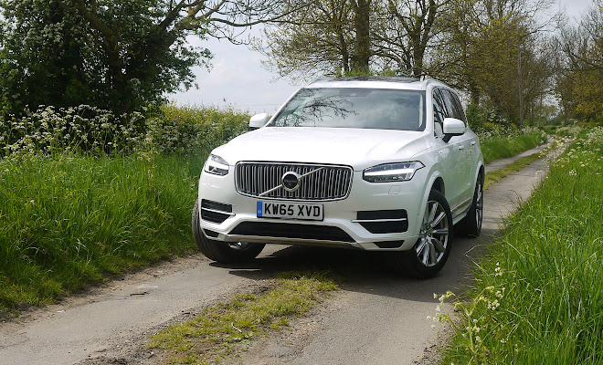 Volvo XC90 T8 front view