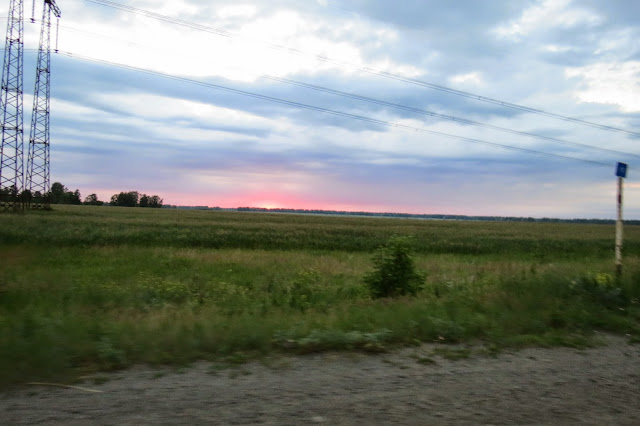 Рассвет на трассе по пути на Яу-Балык
