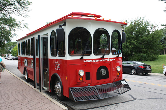 Naperville Trolley Tour