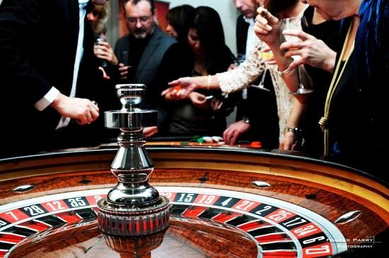Cơ bản casino online không khác nhiều với chơi tại sòng bài