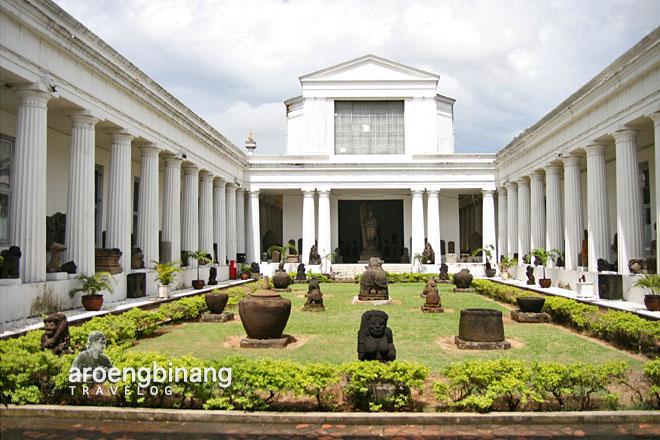 museum nasional indonesia arca dwarapala