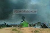 Bentrok SAD dan Warga Pulau Temiang, Rumah dan Mobil Dibakar Warga