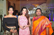 diksha launches trendz exhibition-thumbnail-1