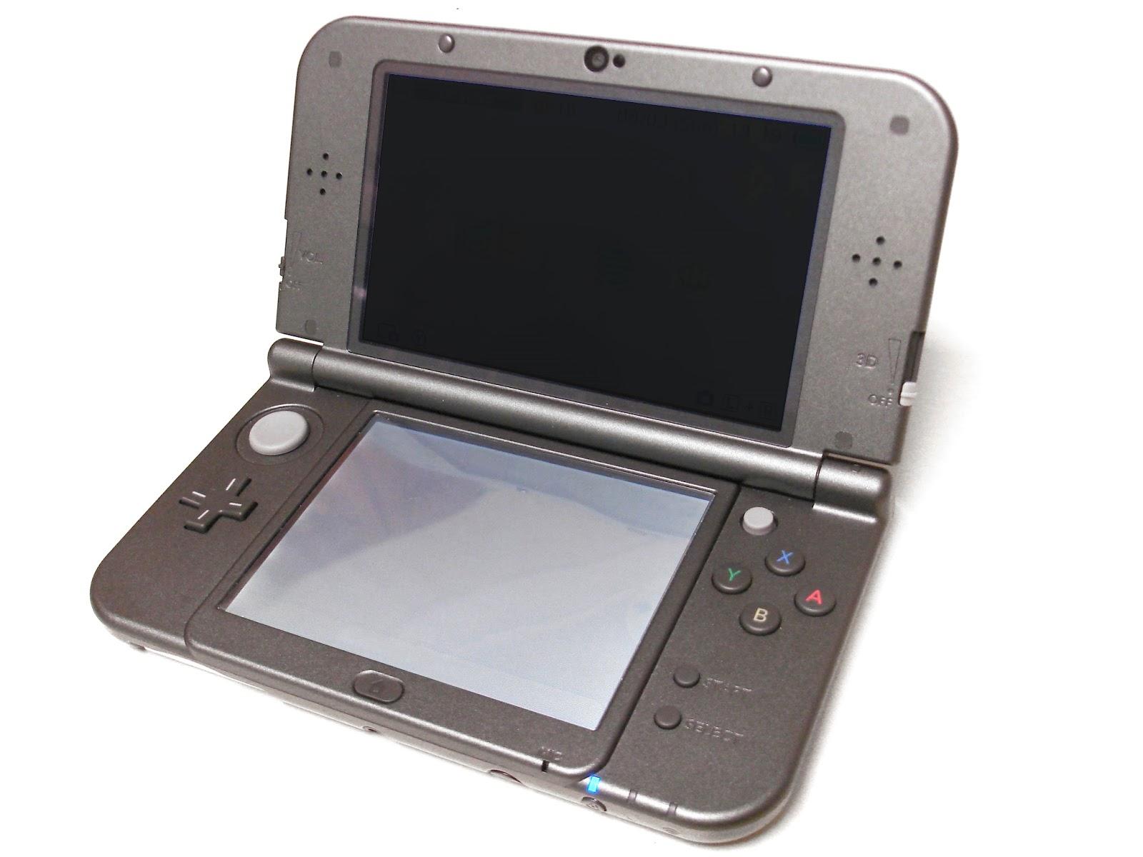 Imagen con la consola portátil de Nintendo: Nintendo New 3DS, 2015, Fotografía: Ejay (cc:by-sa)