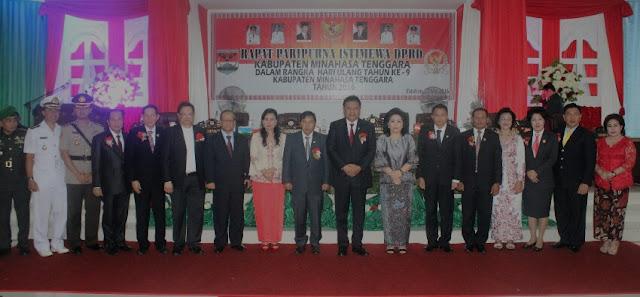 Bupati dan Wakil Bupati Mitra beserta jajaran Foto bersama Gubernur Sulut, Olly Dondokambey dan rombongan Pemprov Sulut.