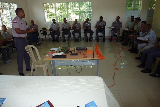 """Departamento PN  en Neyba inicia curso """"Intervención Policial Segunda Fase"""" dirigido a los agentes policiales"""