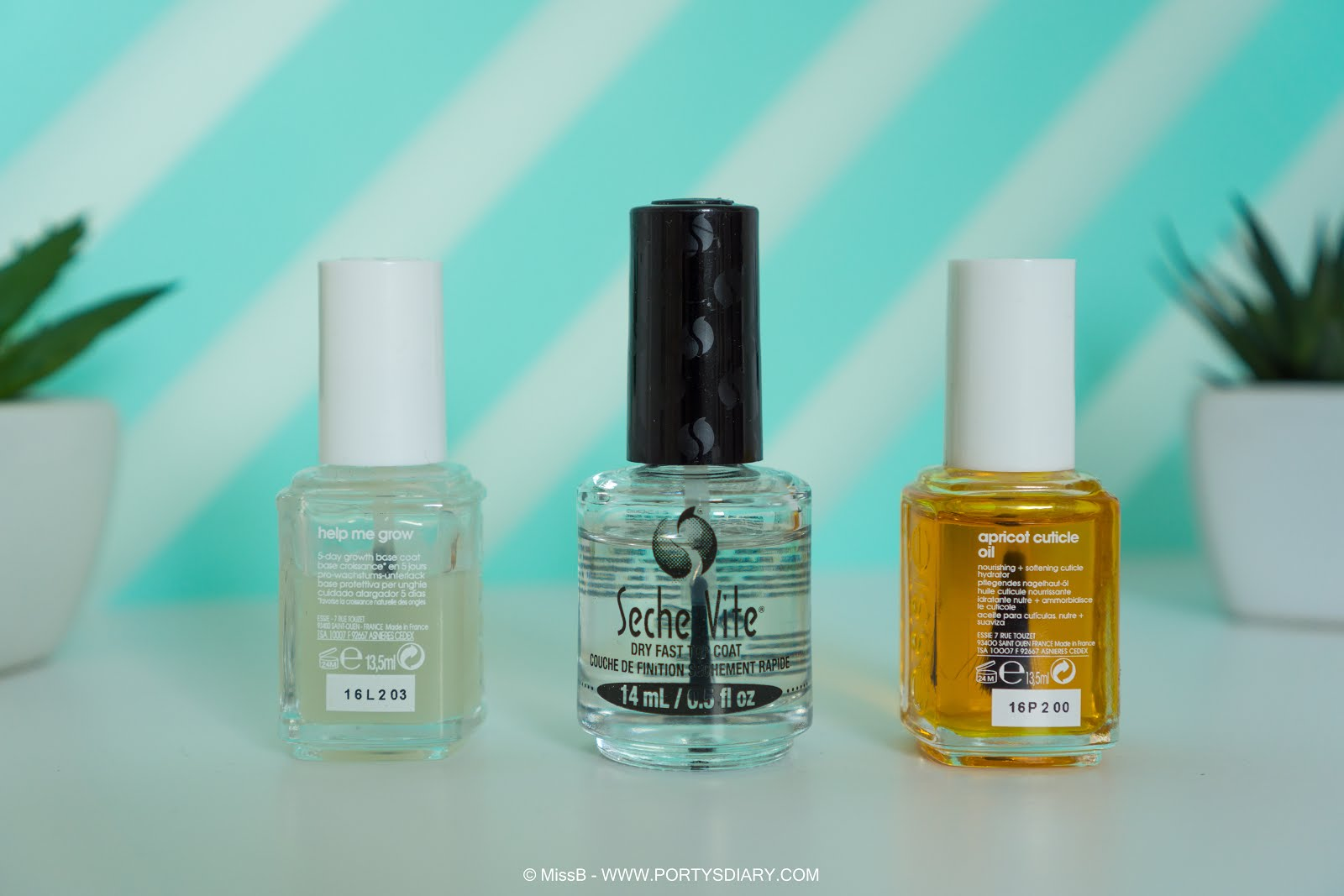 Base coat - Essie Help Me Grow. Top coat - Seche Vite. Cuticle Oil - Essie Apricot Cuticle Oil.
