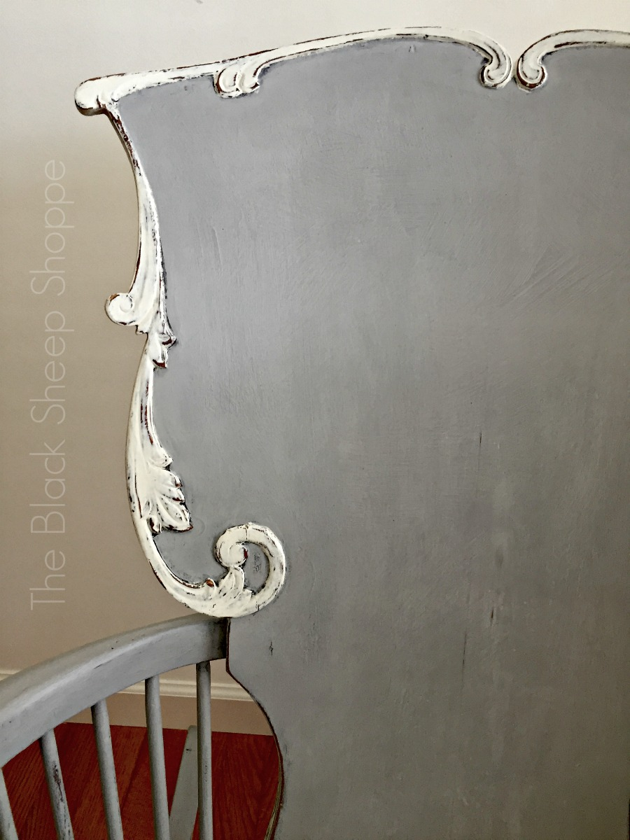 Trim painted in contrasting white