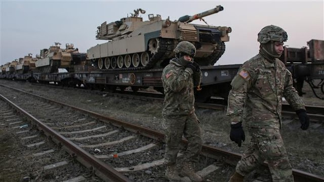 500 US troops arrive in Romania with their tanks