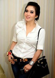 Biodata Lengkap dan Foto Hot Syahrini