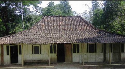 rumah-dalam-cerita-liburan-bahasa-jawa-menyang-kampung-simbah