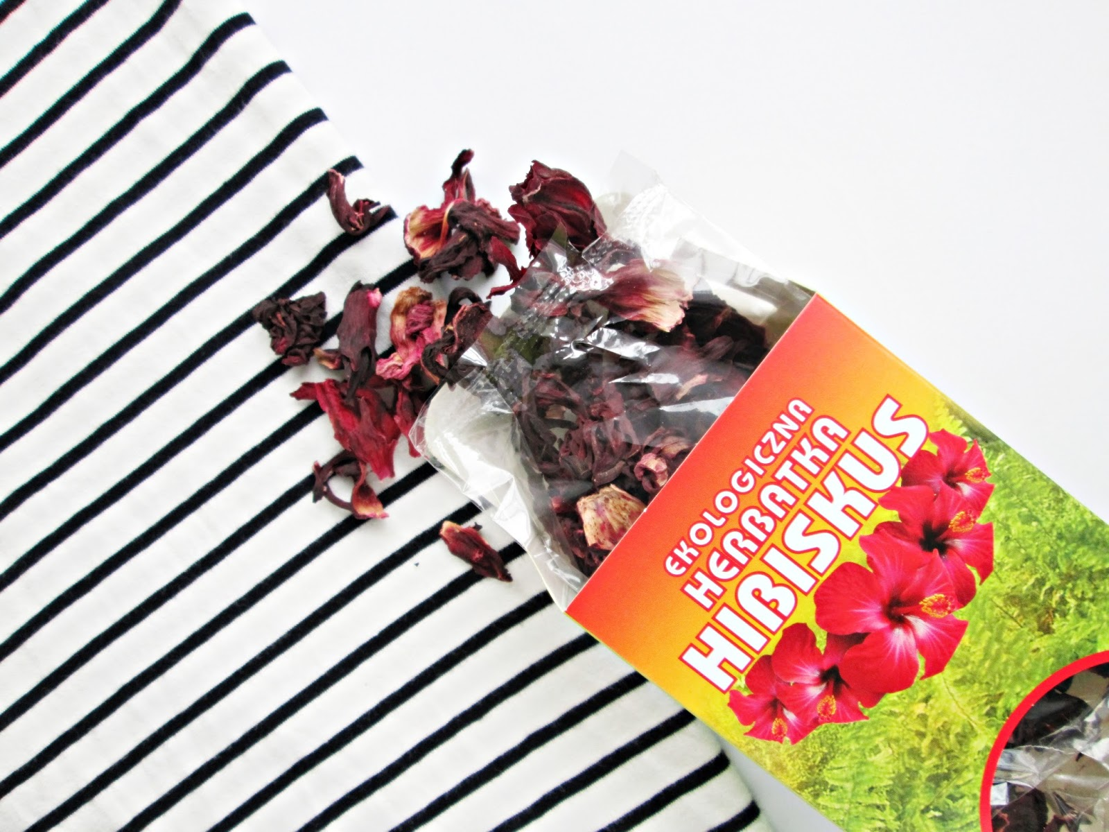 Płukanka z hibiskusa rudy odcień