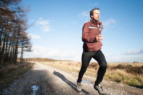 Seorang Lelaki Berlari