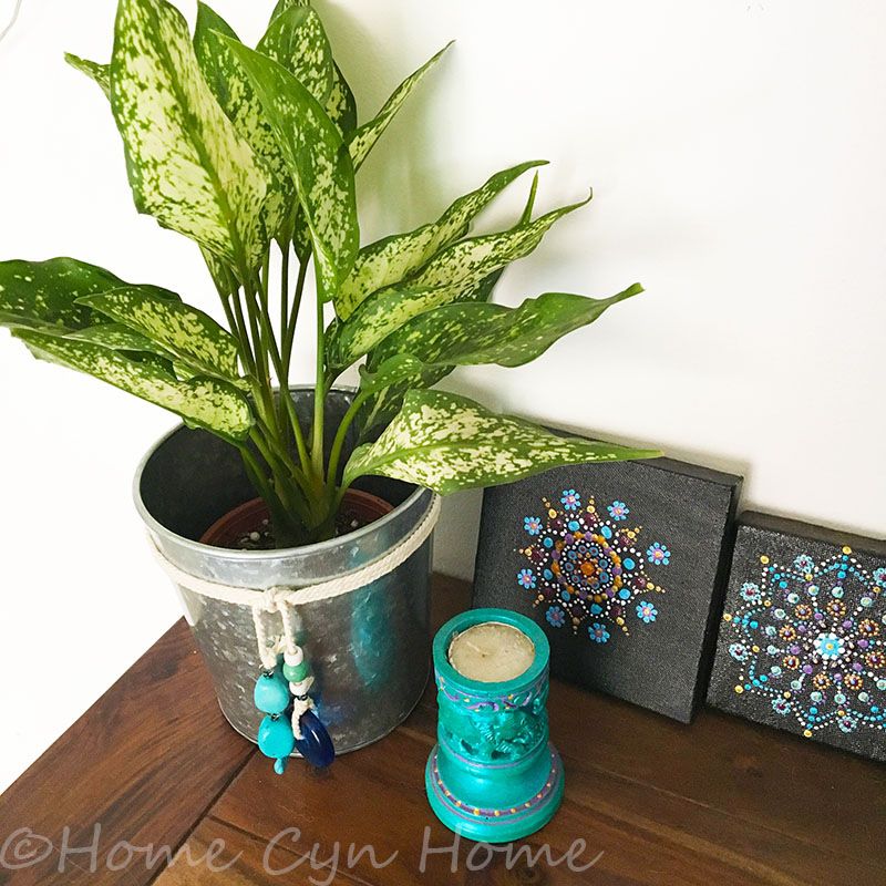a quick DIY project to give a bohemian or beachy vibe to your home.