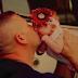 Esta bebé vino al mundo con la ayuda de un bombero. Después su madre la abandonó, pero lo que hizo este hombre me dejo los ojos llorosos