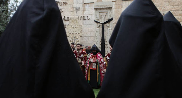 Clérigo armenio reclama a ministro de Israel