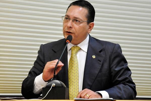 MP Eleitoral processa Ezequiel Ferreira, Rogério Marinho, prefeito e secretária de Saúde de Angicos, RN