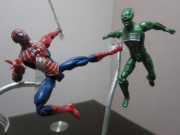 Spider-Man vs Green Goblin Toys