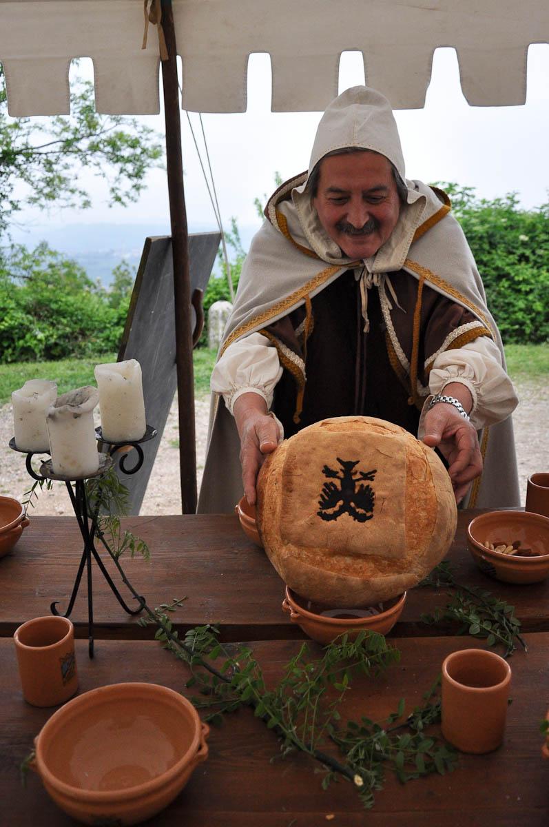 Bread with an old family coat of arms, Romeo and Juliet Festival - Faida, Montecchio Maggiore, Veneto, Italy