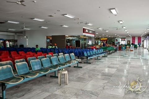 Spacious passengers waiting area at Terminal 3, Batangas Pier