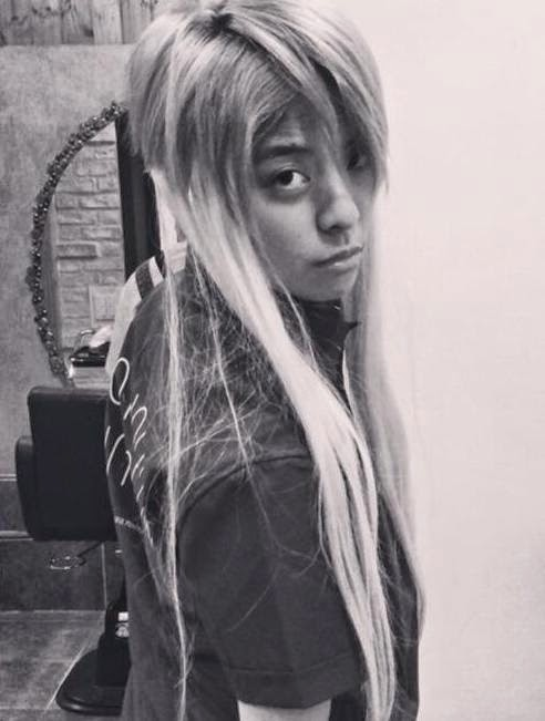 It's a new 'Red Light' concept from f(x)'s Amber! - SNSD ... F(x) Amber Red Light