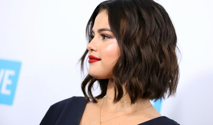 Maquiador e manicure de Selena confirmam novo álbum para o outono americano.