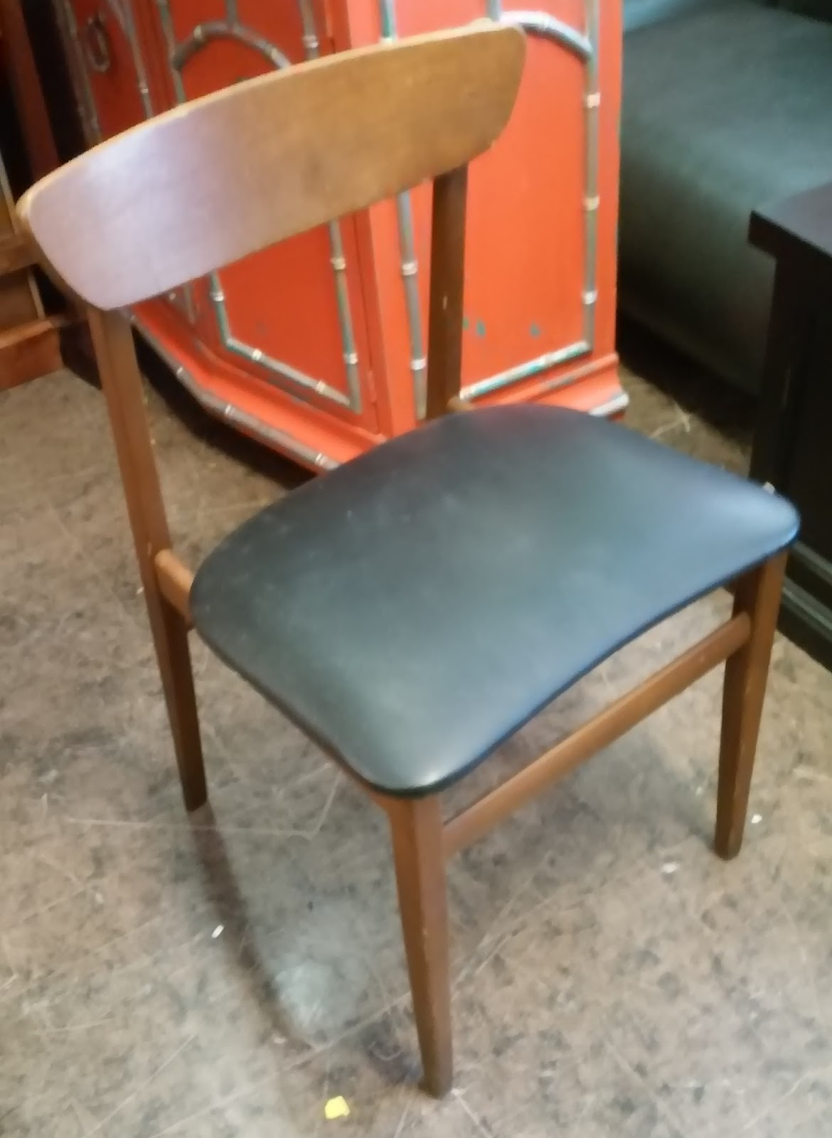 furniture collectibles sold assorted danish style dining chairs