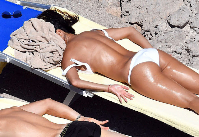 Nicole Scherzinger Is Tantalizing In Bikini As She Cozies Up To Boytoy