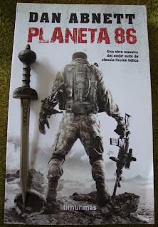 Portada del libro Planeta 86, de Dan Abnett