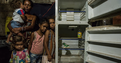 Food crises: Venezuelans stoping trucks to steal crates of chickens