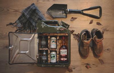 Caja de estilo hipster con bebidas alcohólicas