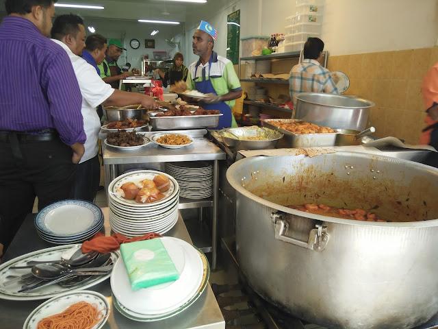 Money Changer Murah di Sky Xchange Sdn. Bhd. Masjid India, KL , Nasi Kandar Famous Restoran NZ KL