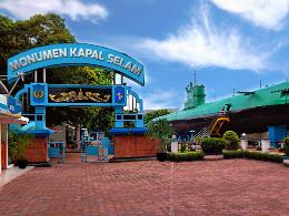 monumen kapal selam surabaya cocok digunakan untuk liburan keluarga
