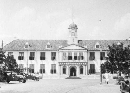 Bubarnya VOC dan Terbentuknya Pemerintahan Kolonial Hindia Belanda