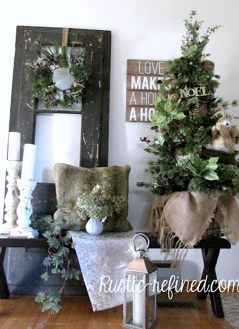 Rustic Christmas Decor for the Entryway