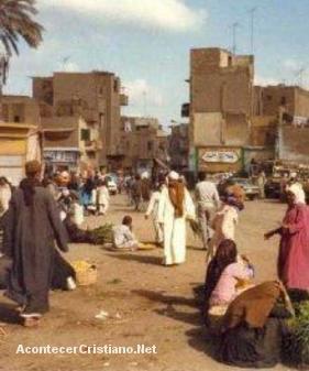 Aldeanos musulmanes en Egipto atacan iglesia cristiana