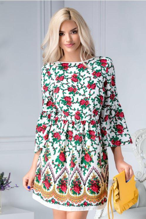 Rochie de vara marime mare alba cu motive florale si spatele gol
