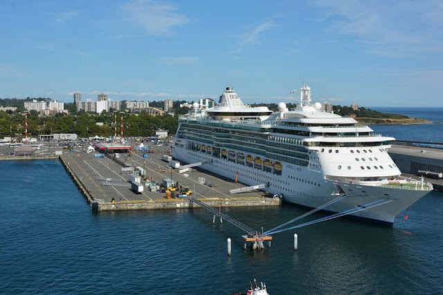 Victoria Island cruise