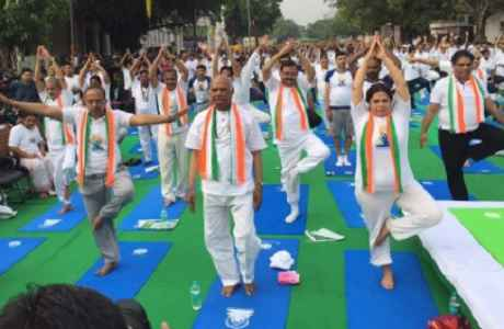 future-president-ramnath-kovind-yoga-in-new-delhi-on-iyd-2017