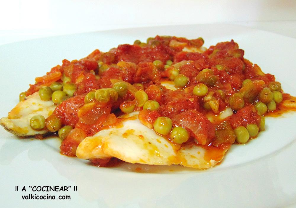 Filetes De Merluza Al Horno Con Salsa De Tomate A