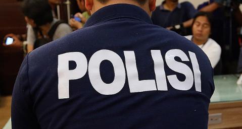 Seorang Polisi Mengamuk Karena Pergoki Istrinya Selingkuh