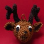 http://eveleder.com/2017/09/crochet-reindeer-ornament.html