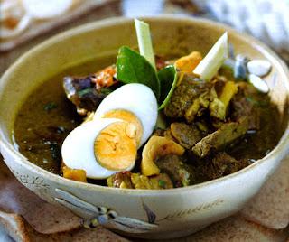 Kuliner Indonesia - Soto Sulung Stasiun Tugu