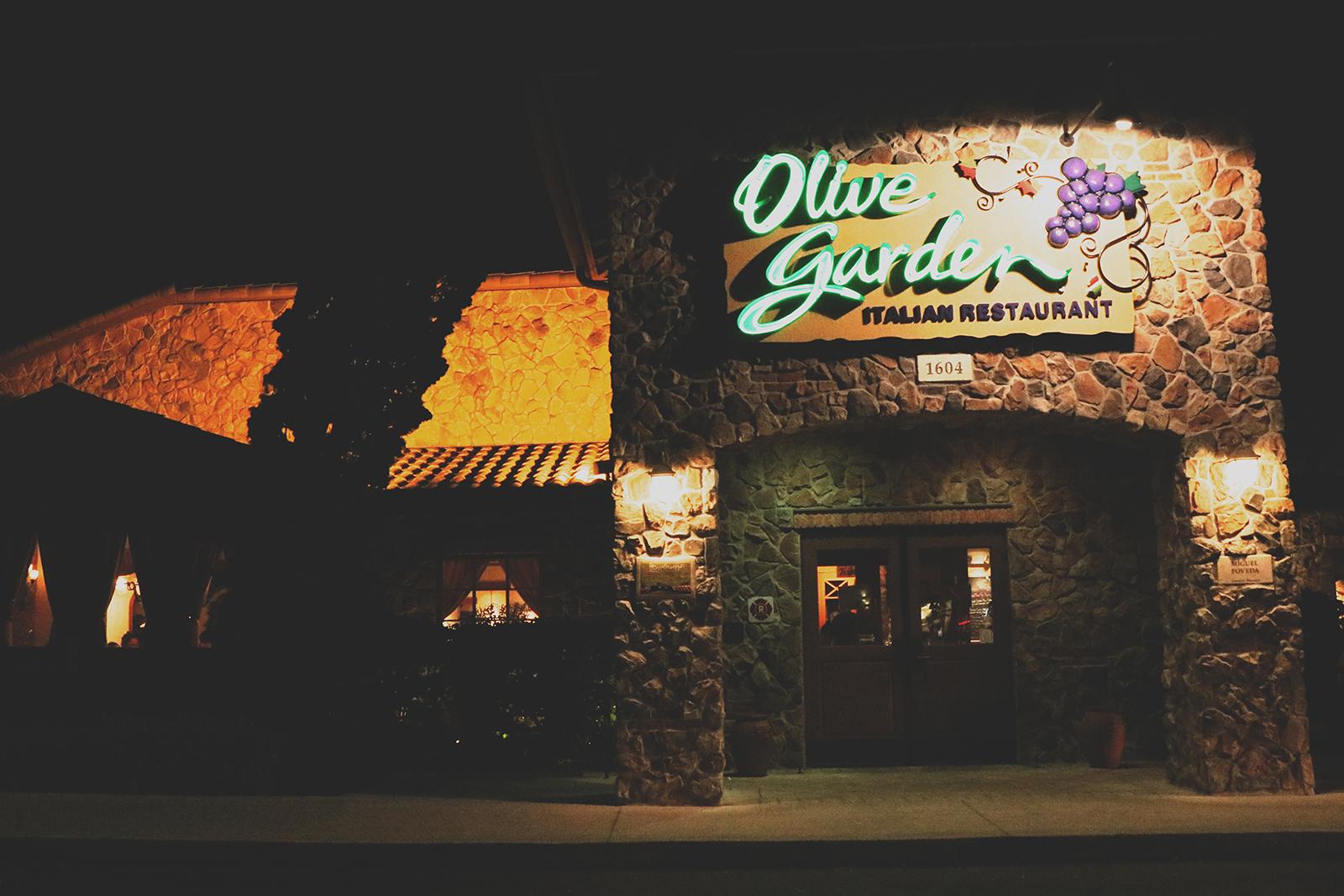 entrada do restaurante olive garden