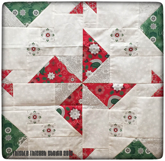 Spinners quilt block, Christmas Spinners Tablerunner, Thistle Thicket Studio, quilts, quilting