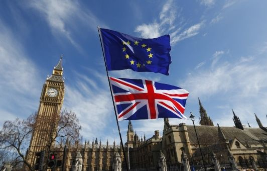 Reino Unido presenta proyecto de ley para anular leyes europeas